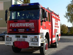 TLF-A 4000/200 Funkrufname: Tank Gerersdorf Hersteller: Lohr-Magirus Marke: Iveco Baujahr: 2001 Type: Eurofire Gesamtgewicht: 18t Antriebsart: Diesel Leistung: 259kw/340PS Besatzung: 1/8